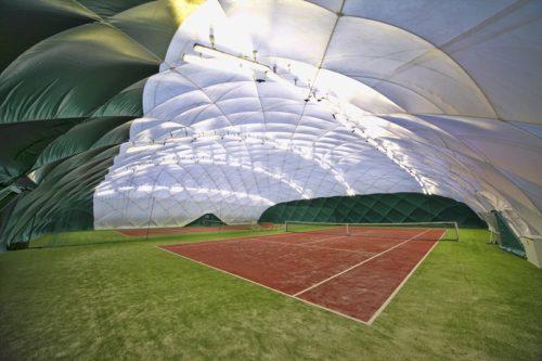 tenis hala